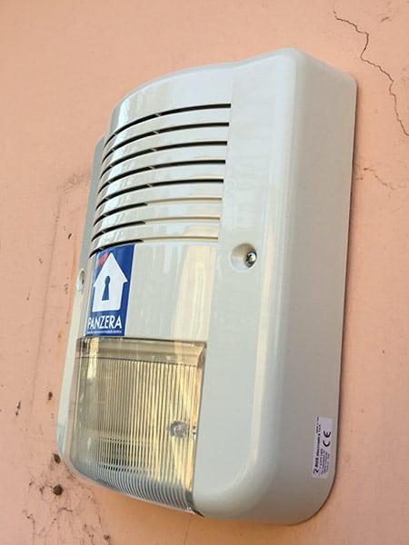 Sistemi di allarme lodi melegnano impianto antintrusione - Impianto allarme casa prezzi ...